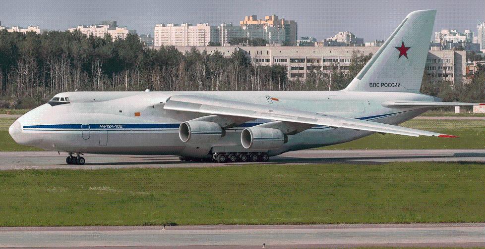 新古巴导弹危机?普京强硬下令,两架安124不顾美国制
