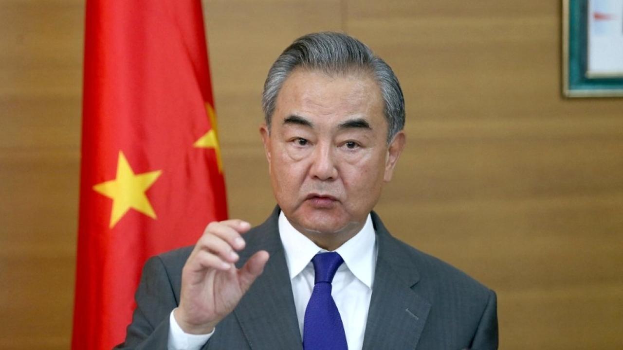 舍曼访华之际,王毅在成都会见重要客人,当场承诺给美国人上一课
