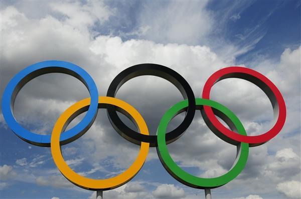 东京日增新冠病例首次超3000例:日方否认会中止奥运会