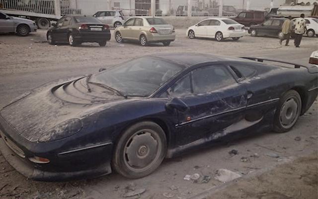 在路边生灰多年,竟曾是世界上最稀有的第一快车,国内仅有一辆
