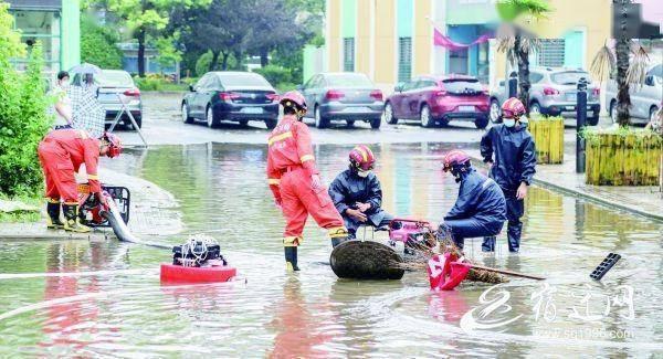 宿迁:暴雨过后 排涝抢修