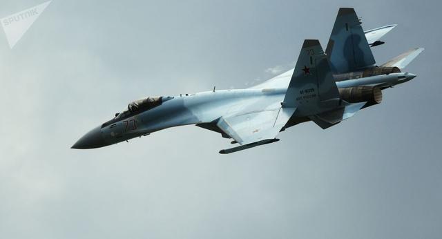 俄罗斯一架苏35S战机发生故障坠入鄂霍茨克海