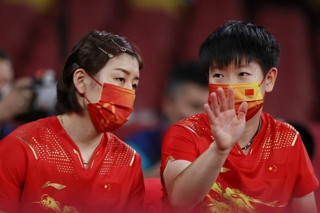 王曼昱失一小局,乒乓球中国女团晋级四强将战德国
