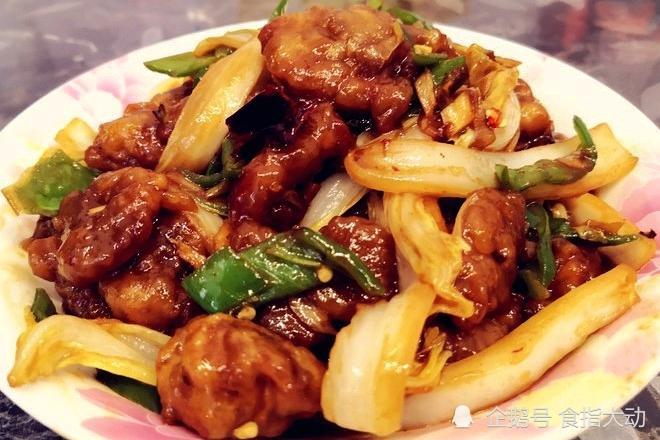 口感独特、香辣鲜美的家常菜,荤素搭配又营养,配饭佐