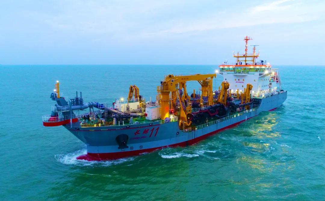 """中国船舶建造的""""长鲸11""""号交付"""