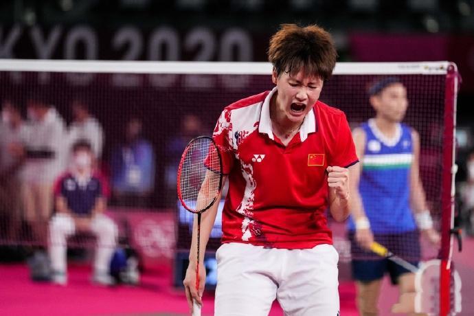 险翻车!连救多个赛点,浙江女单奥运冠军晋级决赛!