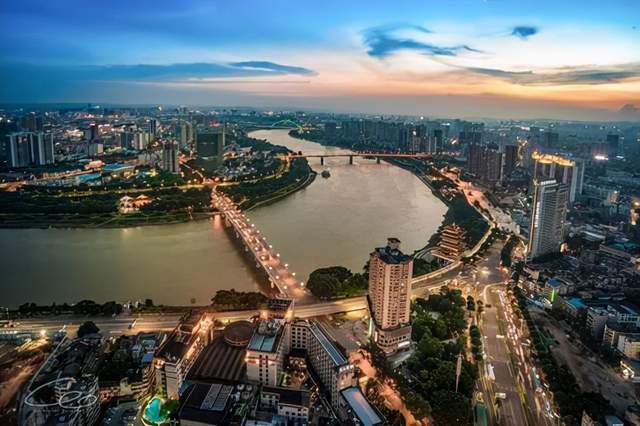 广西14个地级市投资价值排行榜