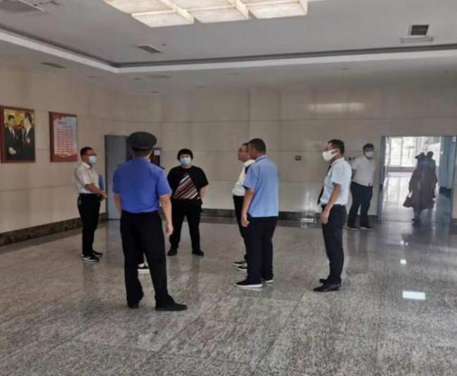 迎双节保安全,八大关中队联合多部门开展中秋节前执法检查