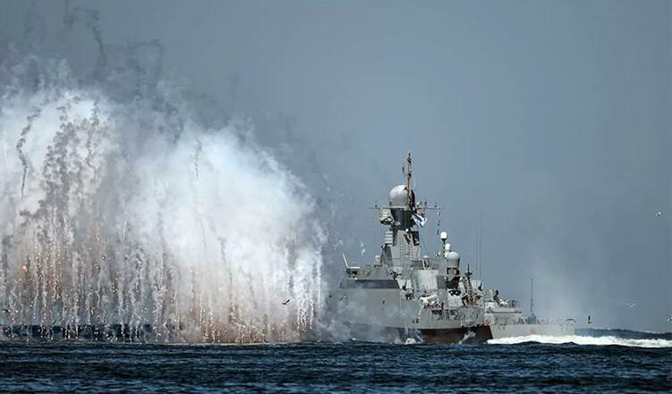 俄罗斯海军在黑海地区举行军演