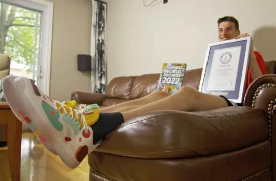 比姚明还高!加拿大15岁少年打破吉尼斯世界纪录,2米26了!