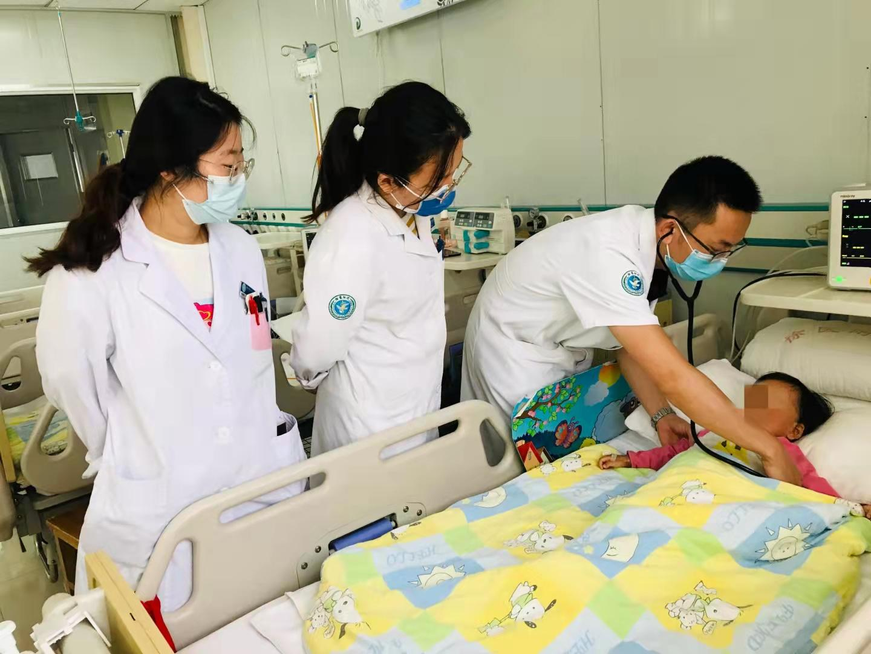 幼童被花生米卡住气道 徐医附院两院区多科医护接