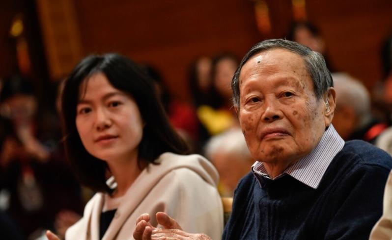 杨振宁100岁了,抛开翁帆不谈,他对国家的贡献远超你的想象