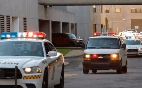 为什么警察开车抓人要拉警报,不怕坏人听见逃跑吗?