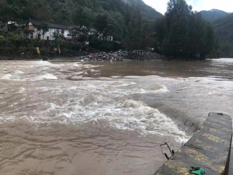 雨夜救群众,济源两位干部被洪水冲走!目前仍在搜救中