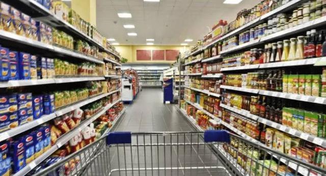 揭秘:超市里面的过期面包都是如何处理的?国内外的方法很不一样