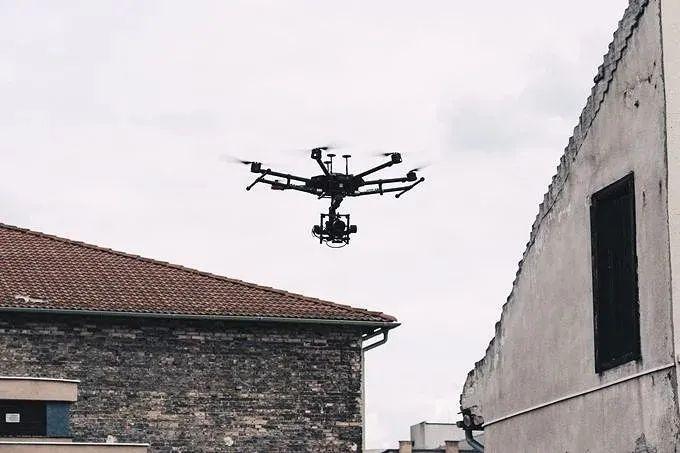 在自然灾害面前,无人机具备独有优势