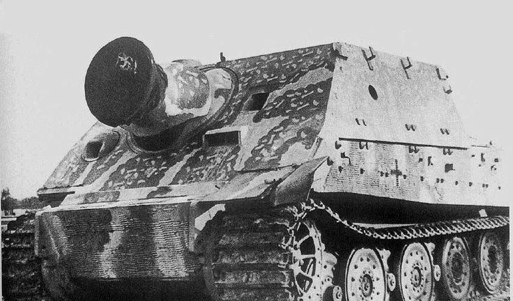 """二战""""突击虎""""自行重炮:一炮干掉三辆谢尔曼,也是一辆喝油机器"""