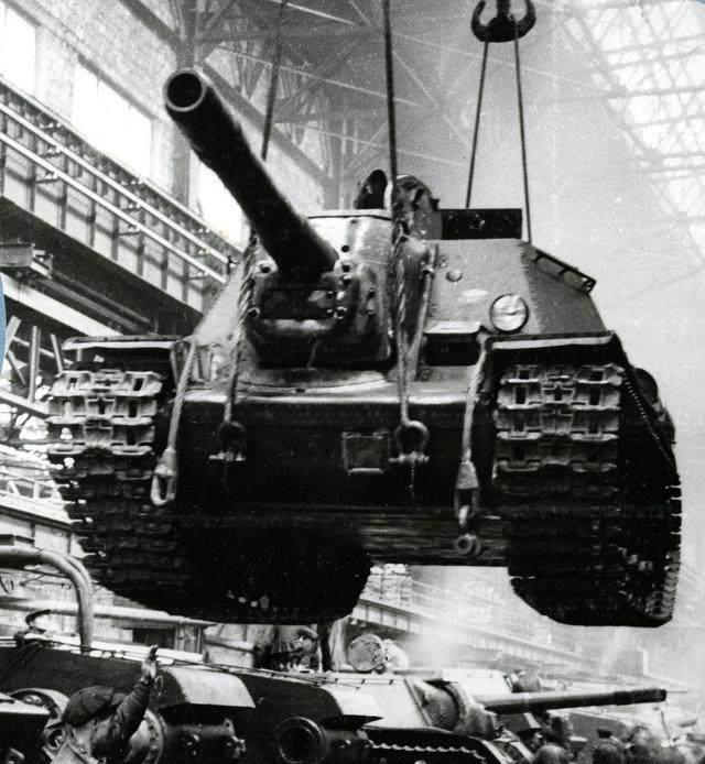 T-34坦克真的无敌吗?从德军角度分析,T-34带给它们的