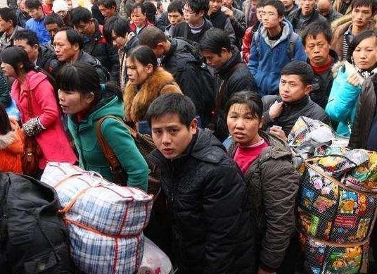 春节假期可能会延长15天,个别地区迎来新假期,学生表示很期待