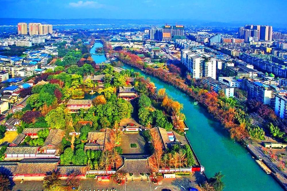不含成都,四川常住人口最多的乡镇是哪一个?