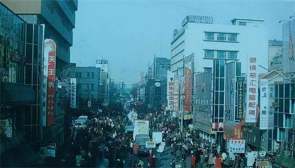"""沈阳""""杀人魔""""潘晓峰:1993年残害9名女子,靠一部电"""