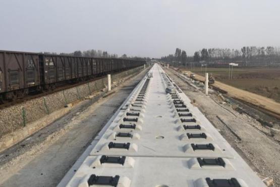 新建临沂临港疏港铁路新进展—— 无砟轨道试验段