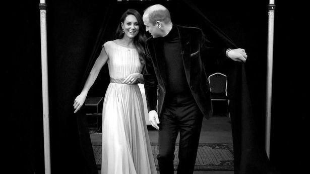 凯特王妃和威廉王子结婚十年,罕见幕后恩爱照被相机