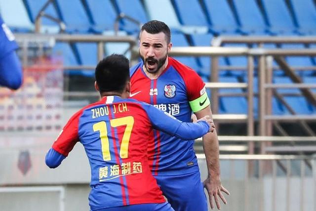 亚历山德里尼共代表黄海在联赛进场16次,打进9球,助攻1次