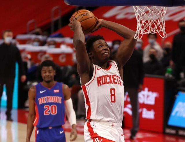 NBA常规赛火箭队103:102惊险绝杀了活塞队