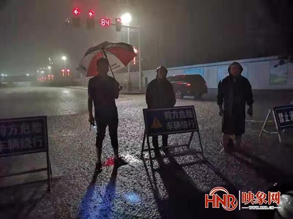 漯河市召陵区全面开展防汛抢险